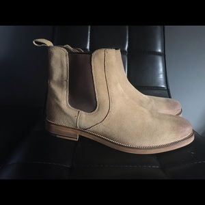 Crevo Dunham Chelsea boots sand 9.5